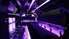 300c_interior_jetbluedoor